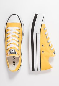 Converse - CHUCK TAYLOR ALL STAR LAYER BOTTOM - Sneakers laag - amarillo/white/black - 3