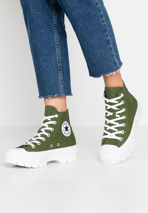 CHUCK TAYLOR ALL STAR LUGGED SEASONAL - High-top trainers - cypress green/black/white