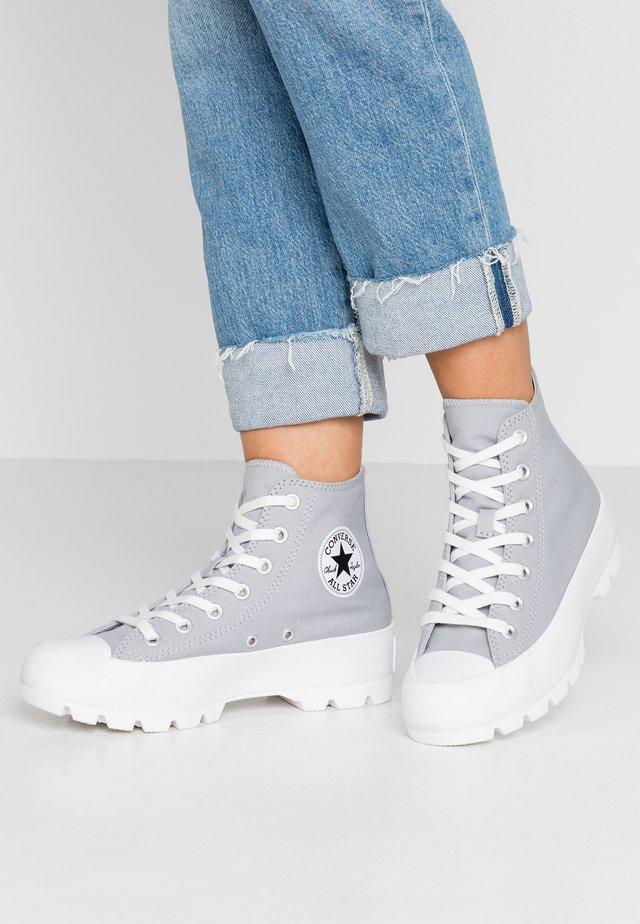 CHUCK TAYLOR ALL STAR LUGGED SEASONAL - Sneakers hoog - wolf grey/black/white