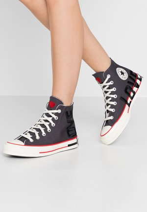 CHUCK 70 - Sneakers hoog - thunder grey/university red/egret