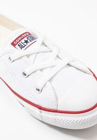 Converse - CHUCK TAYLOR ALL STAR BALLET LACE - Trainers - white/garnet/navy - 2