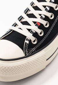 Converse - CHUCK TAYLOR ALL STAR LIFT - Trainers - black/natural ivory - 2