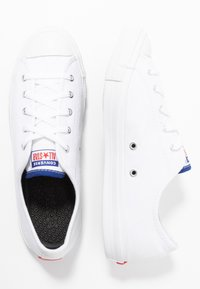 Converse - CHUCK TAYLOR ALL STAR DAINTY DOUBLE LICENSE PLATE - Baskets basses - white/rush blue/university red - 3