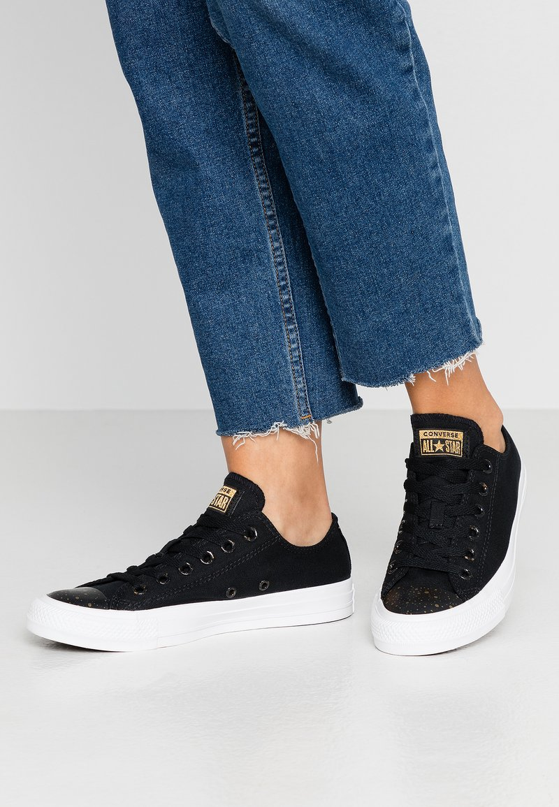 Converse - CHUCK TAYLOR ALL STAR - Sneakersy niskie - black/white/gold
