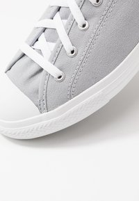 Converse - CHUCK TAYLOR ALL STAR DAINTY SEASONAL - Sneakers laag - wolf grey/white - 2