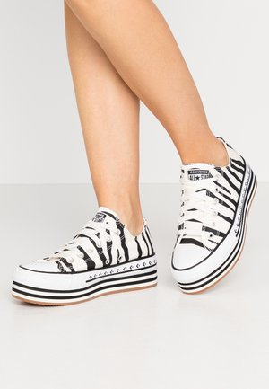 CHUCK TAYLOR ALL STAR PLATFORM LAYER - Joggesko - egret/black