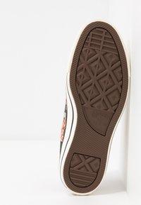 Converse - CHUCK TAYLOR ALL STAR - Sneakers laag - egret/multicolor/black - 6