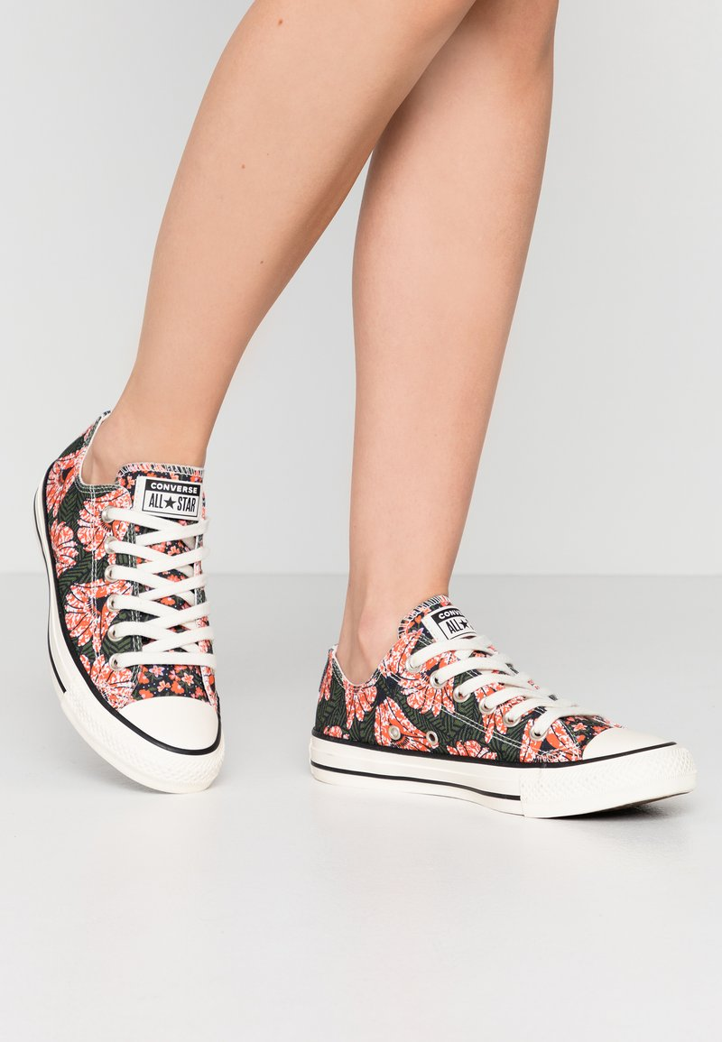 Converse - CHUCK TAYLOR ALL STAR - Sneakers laag - egret/multicolor/black
