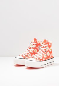 Converse - CHUCK TAYLOR ALL STAR LIFT - Sneakers hoog - red/white/yellow - 4