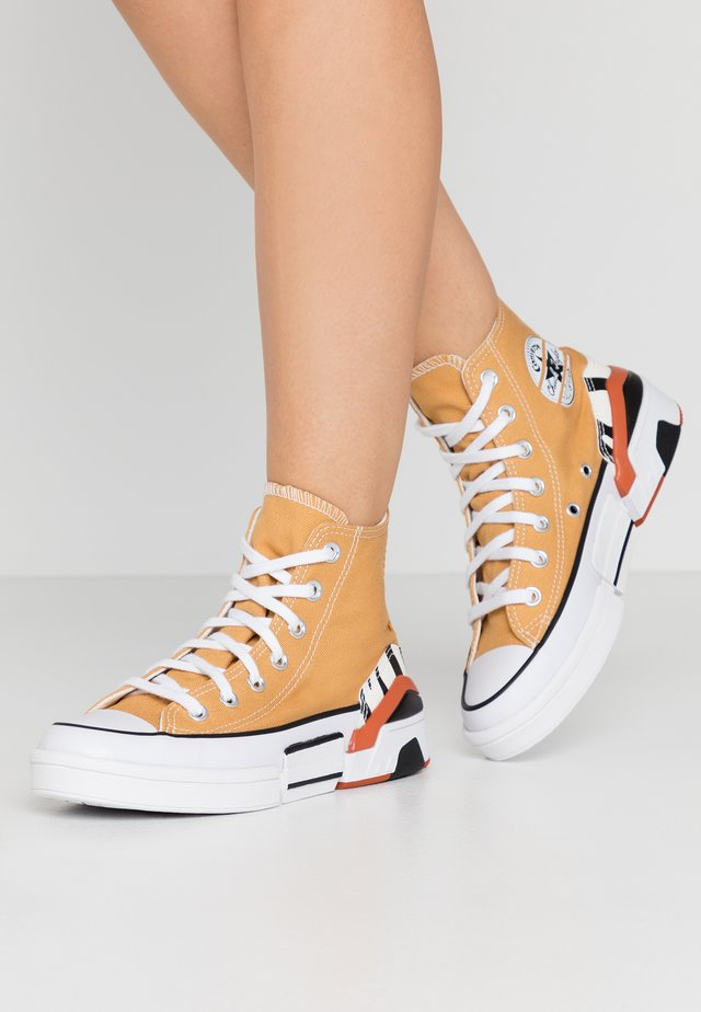 CPX70 - High-top trainers - zinc yellow/black/egret