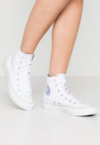 Converse - CHUCK TAYLOR ALL STAR - Korkeavartiset tennarit - white/multicolor/pale putty - 0