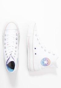Converse - CHUCK TAYLOR ALL STAR - Korkeavartiset tennarit - white/multicolor/pale putty - 3