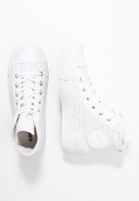 Converse - CHUCK TAYLOR ALL STAR - Sneakers hoog - white/barely volt - 3