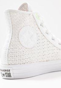 Converse - CHUCK TAYLOR ALL STAR - Zapatillas altas - white/barely volt - 2