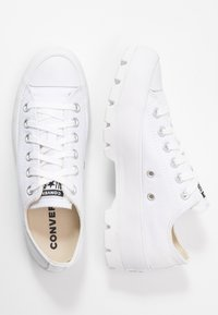 Converse - CHUCK TAYLOR ALL STAR LUGGED - Baskets basses - white - 3