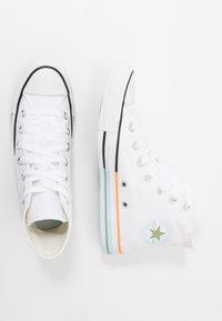 Converse - CHUCK TAYLOR ALL STAR - Høye joggesko - white/street sage/agate blue - 3