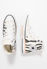 Converse - CHUCK TAYLOR ALL STAR - Baskets montantes - egret/total orange/black - 3