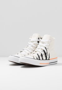 Converse - CHUCK TAYLOR ALL STAR - Baskets montantes - egret/total orange/black - 4