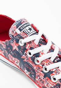 Converse - CHUCK TAYLOR ALL STAR - Trainers - university red/white/obsidian - 2