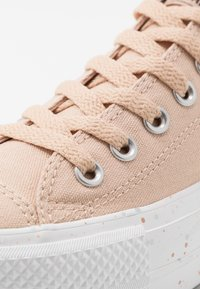 Converse - CHUCK TAYLOR ALL STAR LIFT - Sneakers basse - shimmer/orange calcite/white - 2