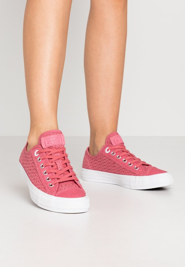 CHUCK TAYLOR ALL STAR - Zapatillas - madder pink/white/black