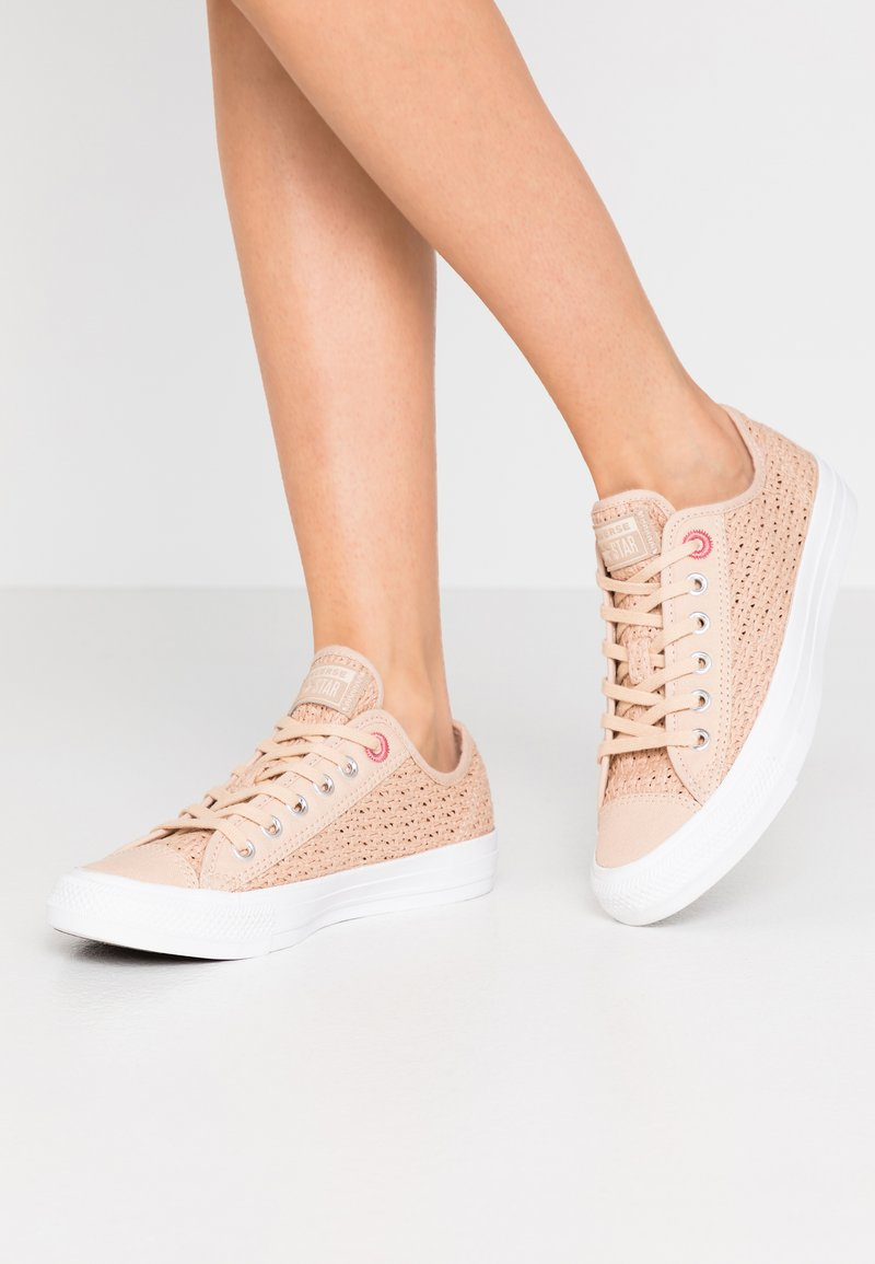 Converse - CHUCK TAYLOR ALL STAR - Sneakers laag - shimmer/madder pink/white