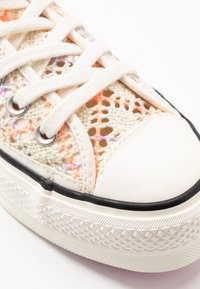 Converse - CHUCK TAYLOR ALL STAR LIFT - Sneakers laag - colorway - 2