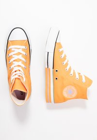 Converse - CHUCK TAYLOR ALL STAR - Sneakers hoog - fuel orange/moonstone violet - 3