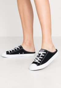 Converse - CHUCK TAYLOR ALL STAR DAINTY MULE - Trainers - black/white - 0