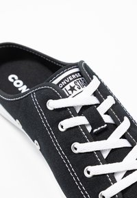 Converse - CHUCK TAYLOR ALL STAR DAINTY MULE - Trainers - black/white - 2