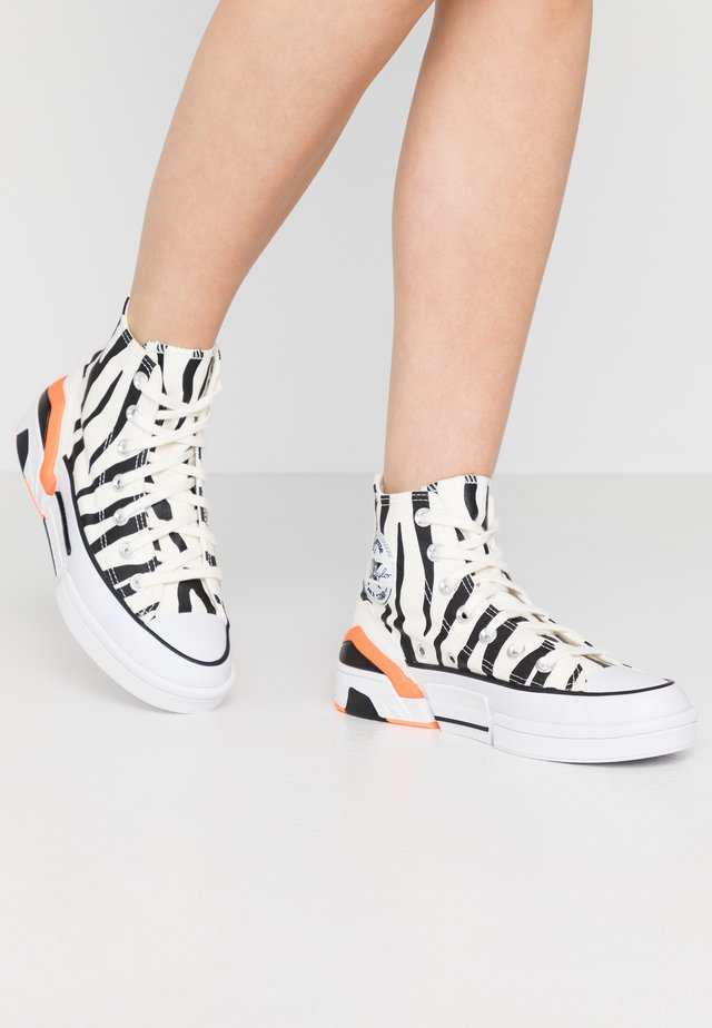 CPX70 - Zapatillas altas - egret/black/total orange