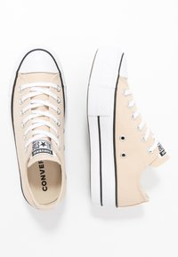 Converse - CHUCK TAYLOR ALL STAR LIFT - Joggesko - farro/white/black - 3