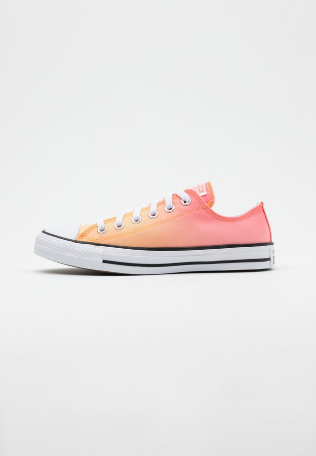 CHUCK TAYLOR ALL STAR - Sneakersy niskie - mellon baller