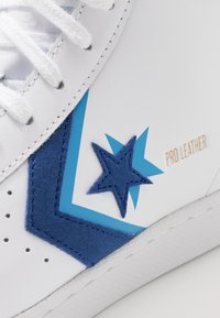 Converse - PRO - Sneakers alte - white/rush blue/amarillo