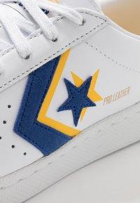 Converse - PRO - Sneakers basse - white/rush blue/coast - 5