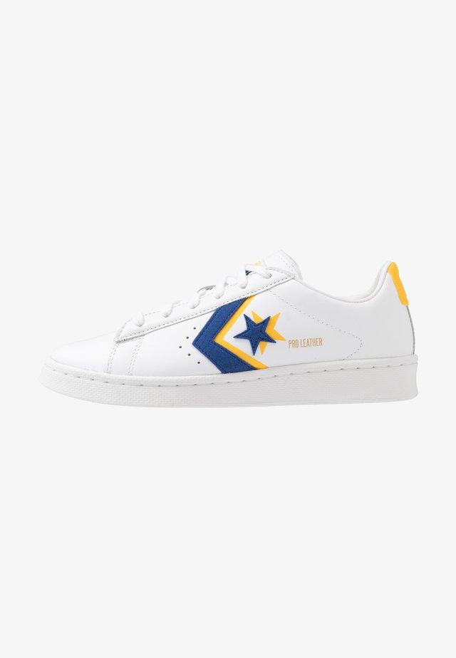 PRO - Sneakers laag - white/rush blue/coast