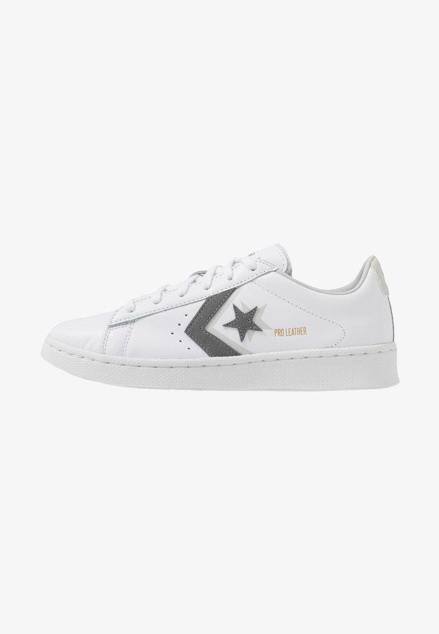 PRO OX - Sneakers laag - white/mason/photon dust