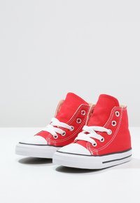 Converse - CHUCK TAYLOR ALL STAR - High-top trainers - rot - 2