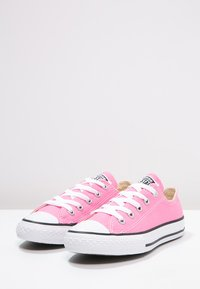 Converse - CHUCK TAYLOR ALL STAR CORE - Sneakers basse - pink - 2