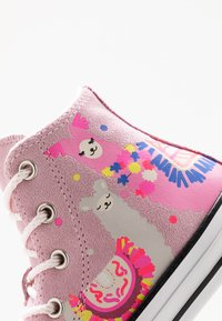 Converse - CHUCK TAYLOR ALL STAR  - Baskets montantes - cherry blossom - 5