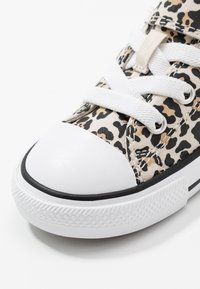 Converse - CHUCK TAYLOR ALL STAR LEOPARD PRINT - Sneakers - black/driftwood/light fawn - 2
