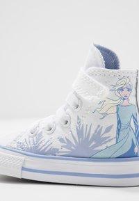 Converse - CHUCK TAYLOR ALL STAR FROZEN - Zapatillas altas - white/blue heron - 5