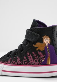 Converse - CHUCK TAYLOR ALL STAR FROZEN - High-top trainers - black/cherries jubilee/white - 5