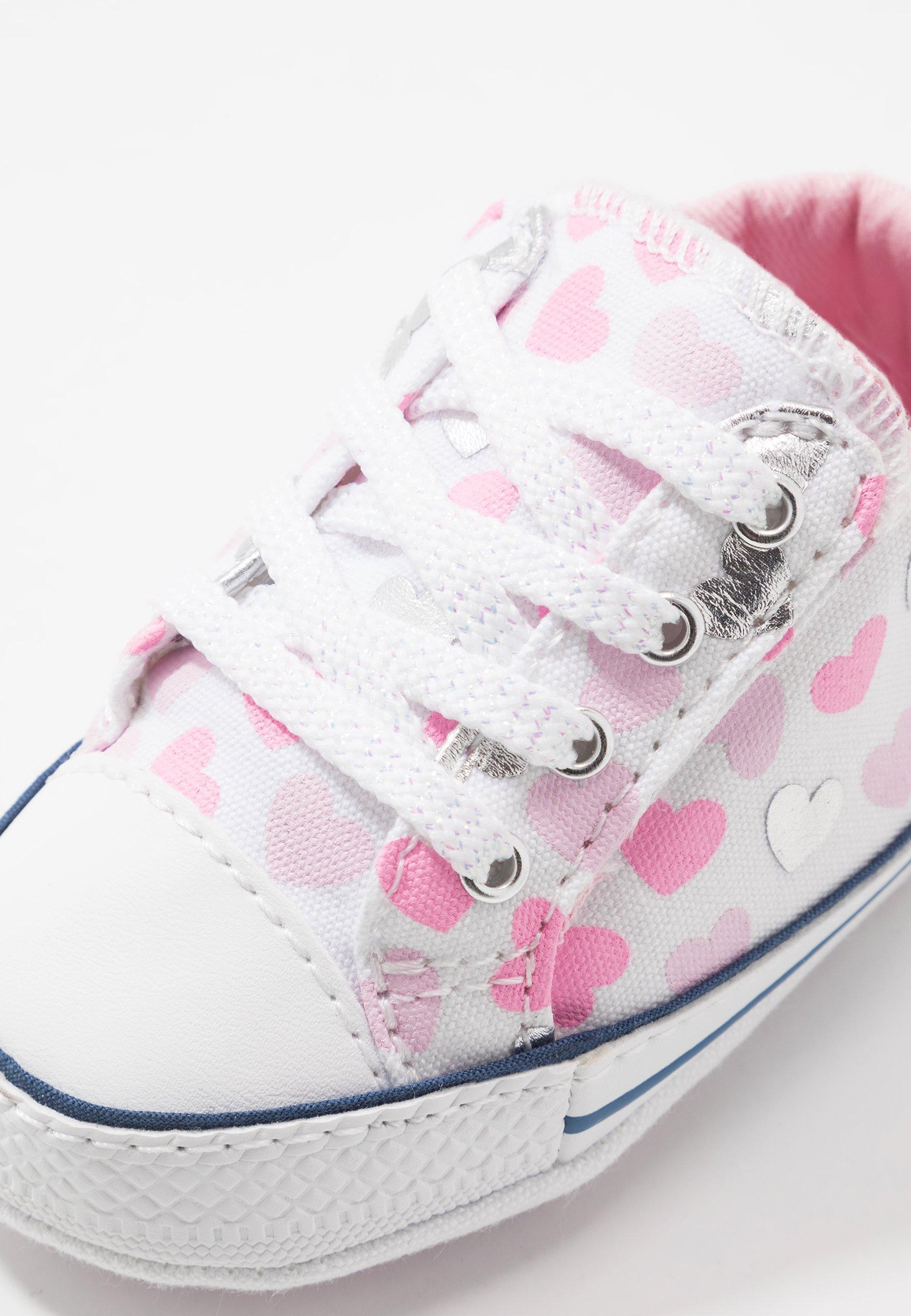 Converse CHUCK TAYLOR ALL STAR HEARTSFALL CRIBSTER - Obuwie do raczkowania - white/cherry blossom/silver