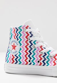 Converse - CHUCK TAYLOR ALL STAR - Sneakers alte - white/university red/rush blue - 2