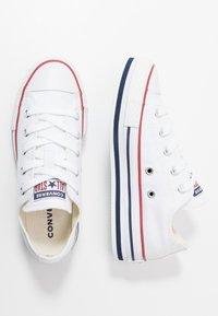 Converse - CHUCK TAYLOR ALL STAR PLATFORM  - Zapatillas - white/midnght navy/garnet - 1