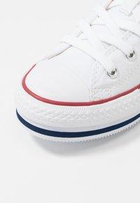 Converse - CHUCK TAYLOR ALL STAR PLATFORM  - Zapatillas - white/midnght navy/garnet - 5