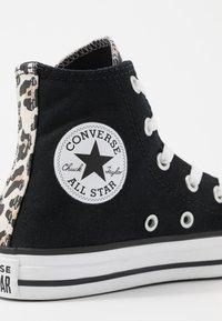 Converse - CHUCK TAYLOR ALL STAR LEOPARD PRINT - Høye joggesko - black/driftwood/white - 2