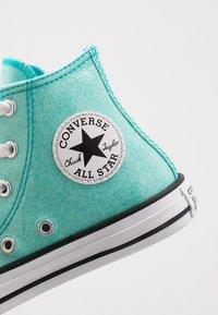 Converse - CHUCK TAYLOR ALL STAR COATED GLITTER  - Zapatillas altas - rapid teal/black/white - 2