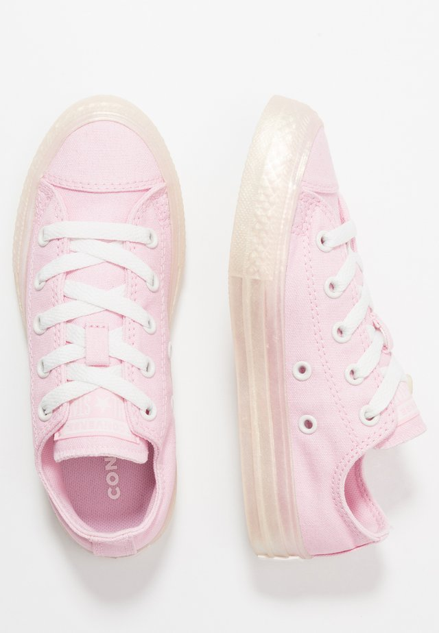 CHUCK TAYLOR ALL STAR PEARLIZED - Trainers - cherry blossom/vintage white